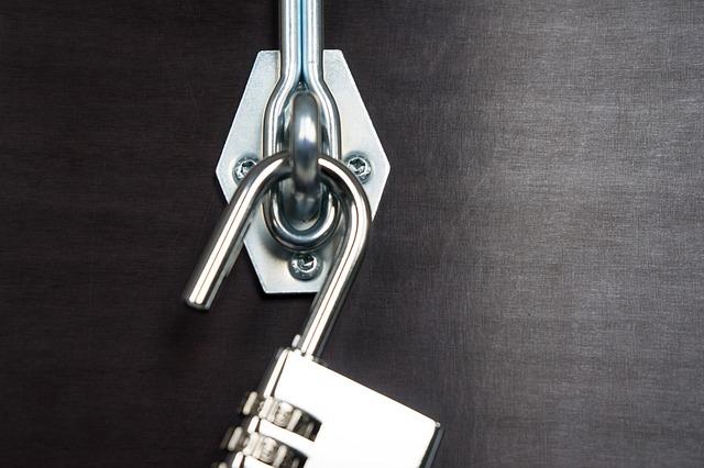 Trucos fáciles para arreglar una cerradura